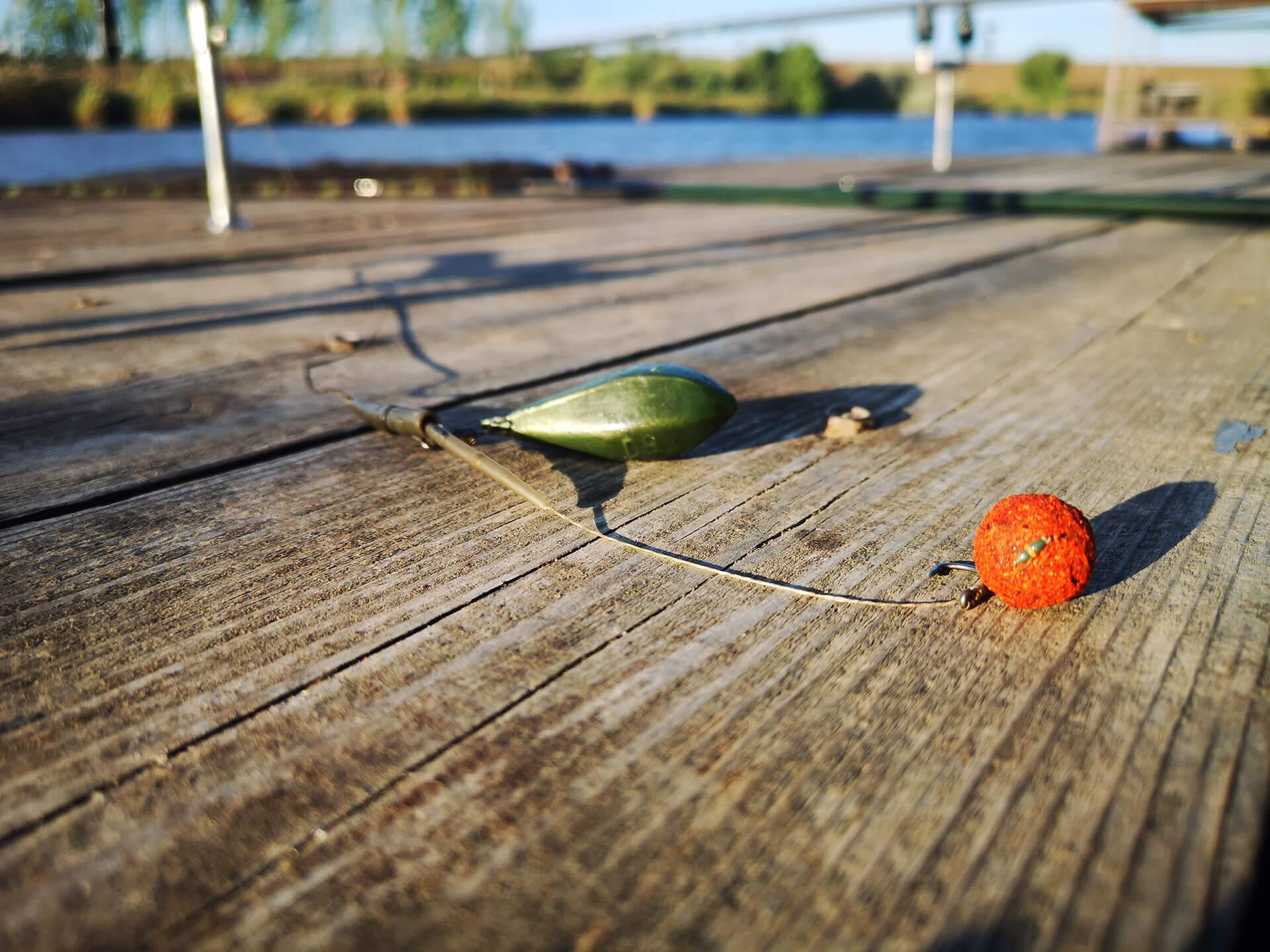 montura pescuit la crap cu boilies de nutritie