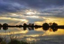 pescuit sportiv in mijlocul naturii