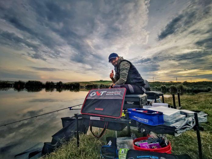 scaun de pescuit la feeder