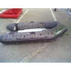 Barca Pneumatica Kingfisher 270M Camou cu chila gonflabila si podina partiala lemn